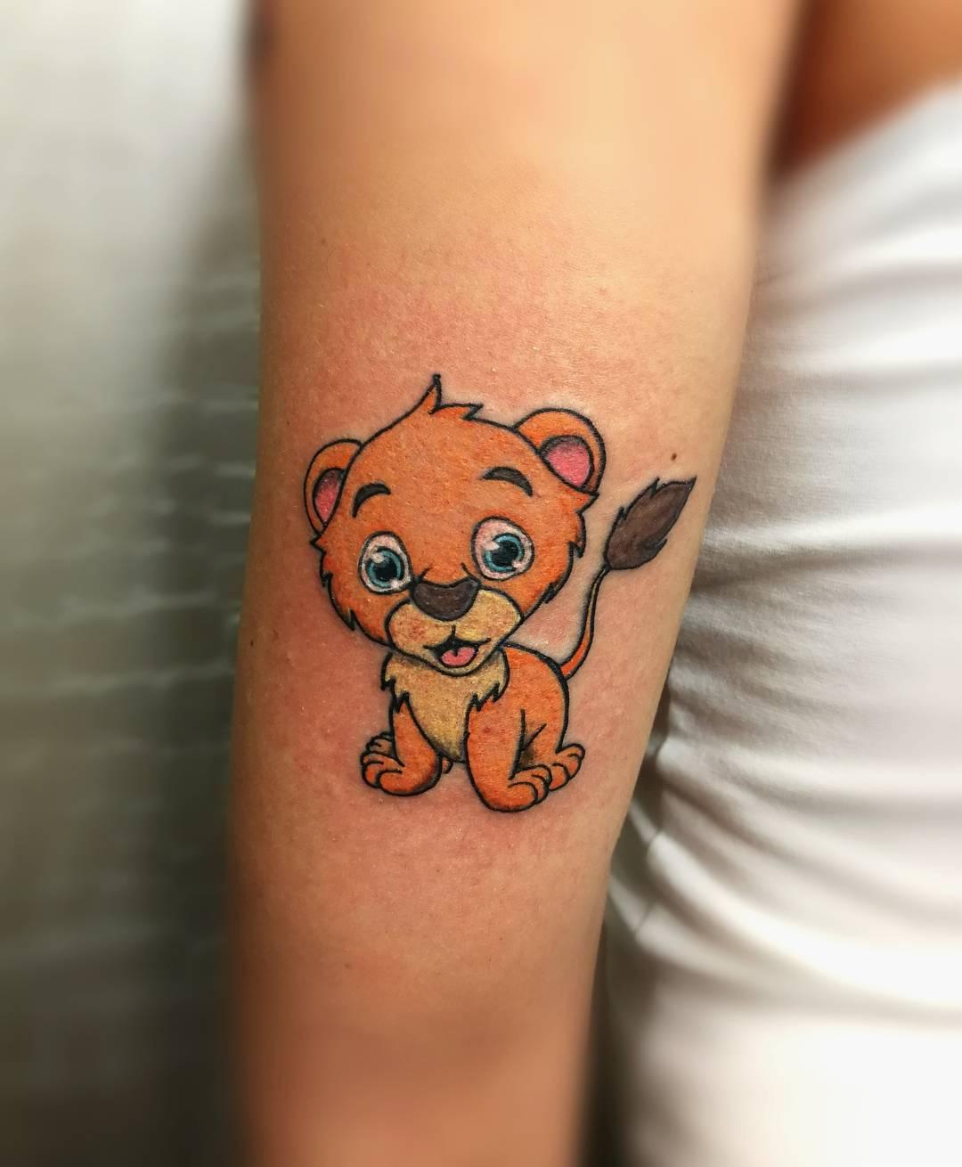 伊小姐手臂狮子小清新纹身图案